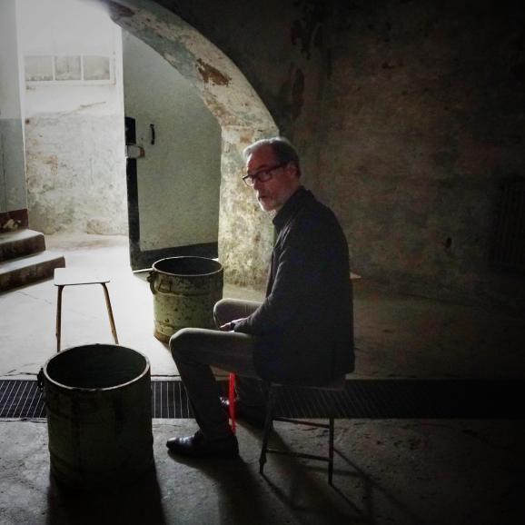 Peter Keup, dans les sous-sol de l\'ancienne prison de Cottbus. Là-même où il a epluché des pommes de terre pendant près d\'un an.