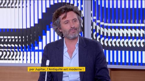 """Christophe Ono-dit-Biot convoque les Grecs et les Romains de l'Antiquité pour """"nous faire réfléchir"""" sur notre époque"""