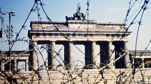 GRAND FORMAT. Chute du mur de Berlin : ancien de la Stasi, star du JT, prisonnière militante... Des témoins racontent ce qu'était la vie en RDA