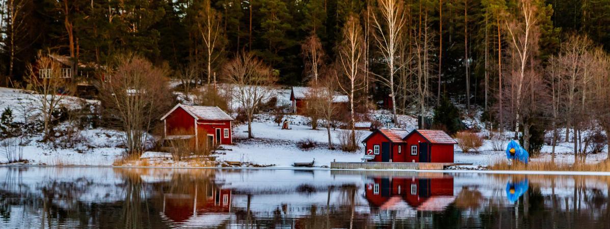 En Suède, un bateau-bibliothèque approvisionne en livres les habitants des îles de l'archipel de Stockholm ...