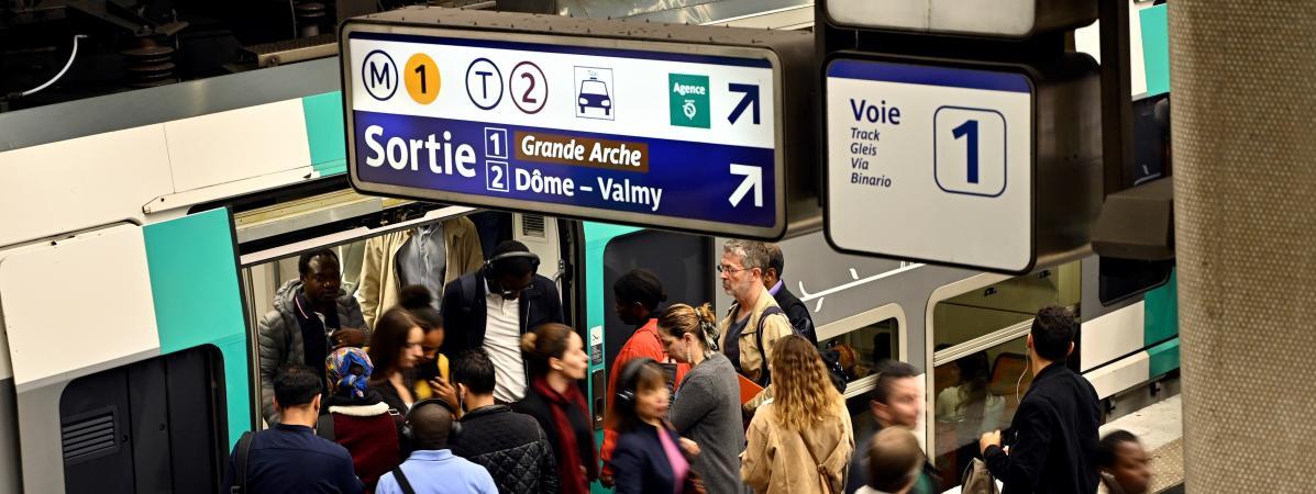 Gilets jaunes à Paris : le trafic métro et RER fortement perturbé samedi