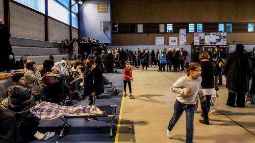 """Après le séisme, ces habitants du Teil ont passé une première nuit au gymnase avec """"la peur que ça recommence"""""""