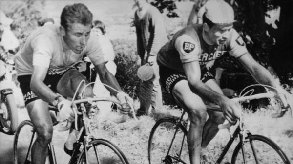 Cyclisme : Raymond Poulidor et Jacques Anquetil, l'histoire d'une rivalité transformée en amitié improbable