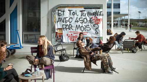 """""""J'ai un euro par jour pour manger"""": trois étudiants témoignent de leur grande précarité"""