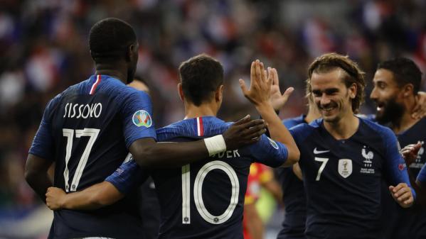 Foot : l'équipe de France patine contre la Moldavie (1-1 à la mi-temps)
