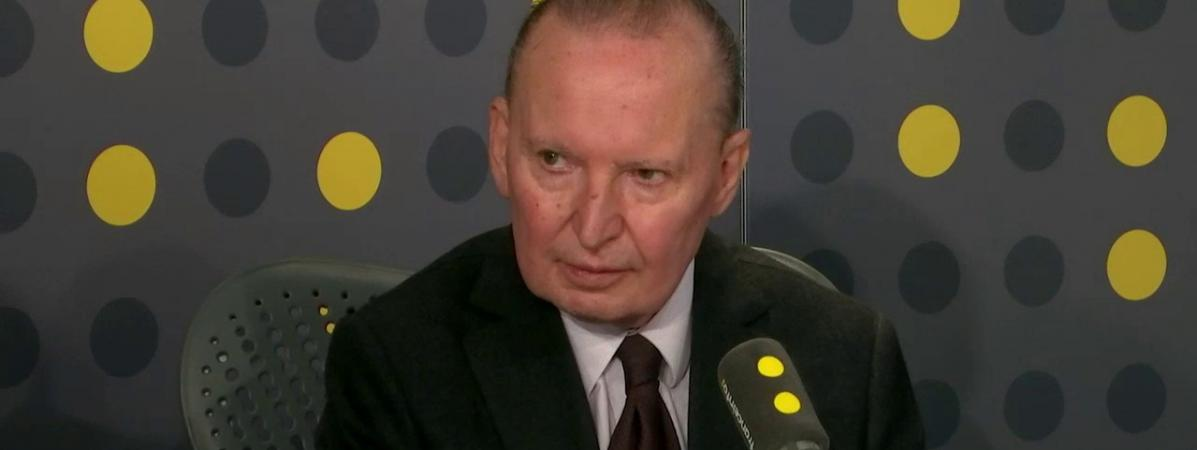 """VIDÉO. Réformes : Raymond Soubie appelle le gouvernement à """"refroidir les foyers qui aujourd'hui sont très,..."""