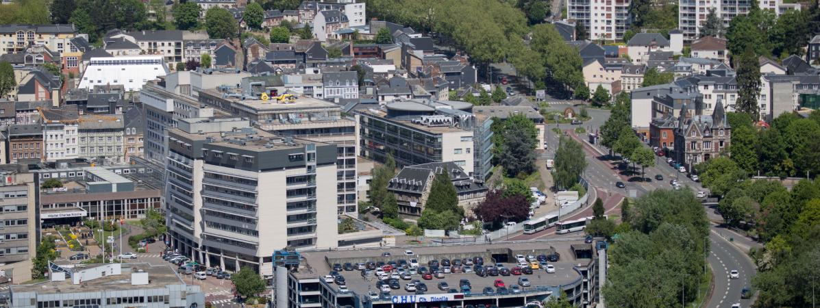 """""""On est revenus au papier-stylo"""" : le CHU de Rouen victime d'une attaque informatique générale"""