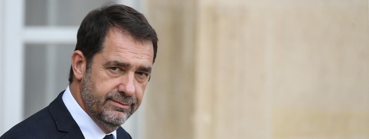 """""""Gilets jaunes"""" : Christophe Castaner dénonce l'action de """"brutes"""" et de """"voyous"""""""