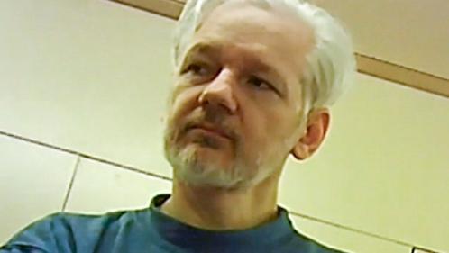 Le parquet suédois abandonne les poursuites pour viol contre Julian Assange, le fondateur de WikiLeaks