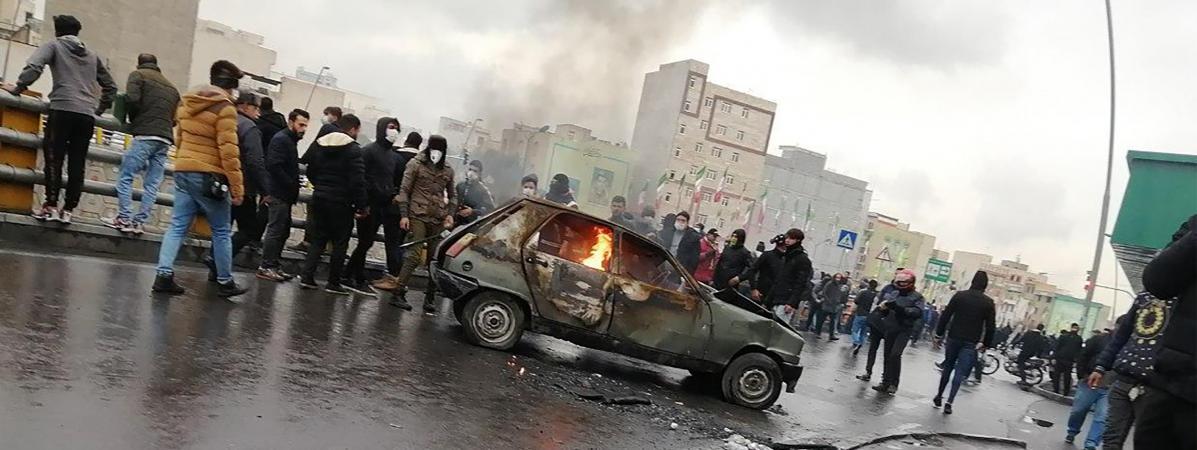 Des Iraniens manifestent contre la hausse du prix de l'essence,le 16 novembre 2019 à Téhéran (Iran).