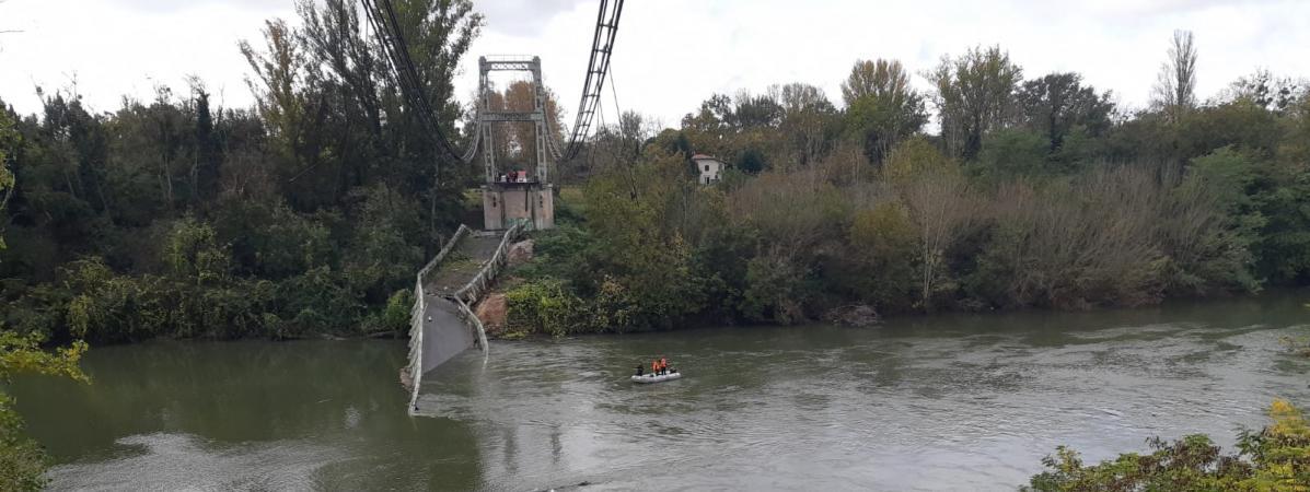 """Effondrement d'un pont à Mirepoix-sur-Tarn : le camion faisait """"environ 45 tonnes selon les services de gen..."""