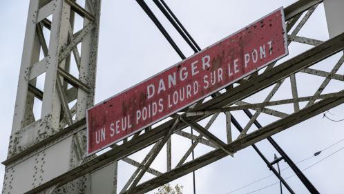 """DIRECT. Pont effondré à Mirepoix-sur-Tarn: le poids du camion, qui atteignait """"plus de 50 tonnes"""", est la cause """"apparente"""" de l'accident"""