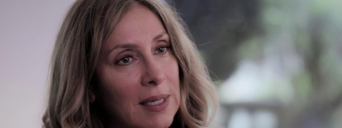 """VIDEO. """"C'est tellement strict qu'ils te tuent d'une façon silencieuse"""" : l'épouse de Carlos Ghosn revient ..."""