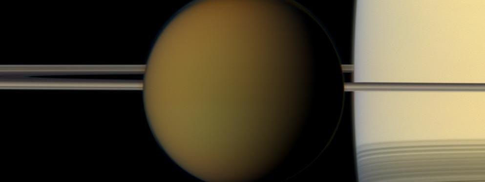 Titan, ses plaines, ses montagnes et ses lacs 20459063