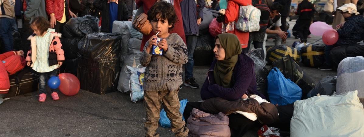 Athènes va remplacer les trois plus gros camps de migrants par des structures fermées