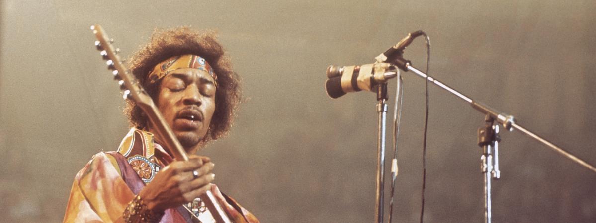 Jimi Hendrix sur scène au Royal Albert Hall de Londres le 24 février 1969.