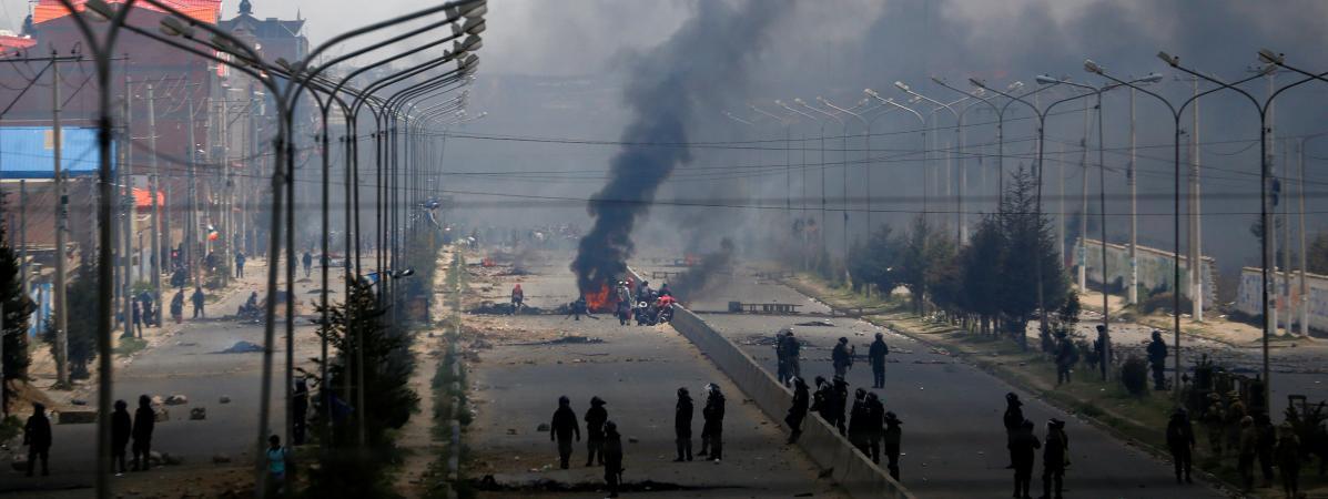 Crise politique en Bolivie : des heurts près de La Paz font trois morts et 30 blessés