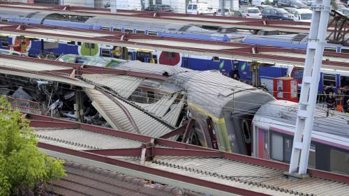 """Catastrophe ferroviaire de Brétigny en 2013 : le parquet d'Evry demande un procès pour """"homicides et blessures involontaires"""" contre la SNCF"""