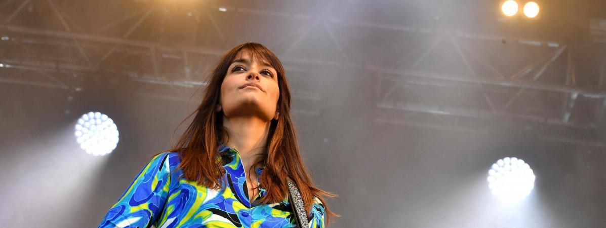 Clara Luciani s\'est produit dans de nombreux festivals l\'été dernier, ici Au Pont du Rock à Malestroit.