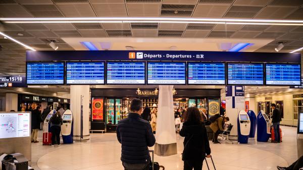 Coronavirus : des Français bloqués à l'étranger... et l'aéroport d'Orly bientôt fermé