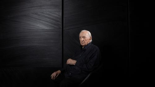 Pierre Soulages a cent ans ce 24 décembre : retour sur 80 ans de création du père de l'outrenoir