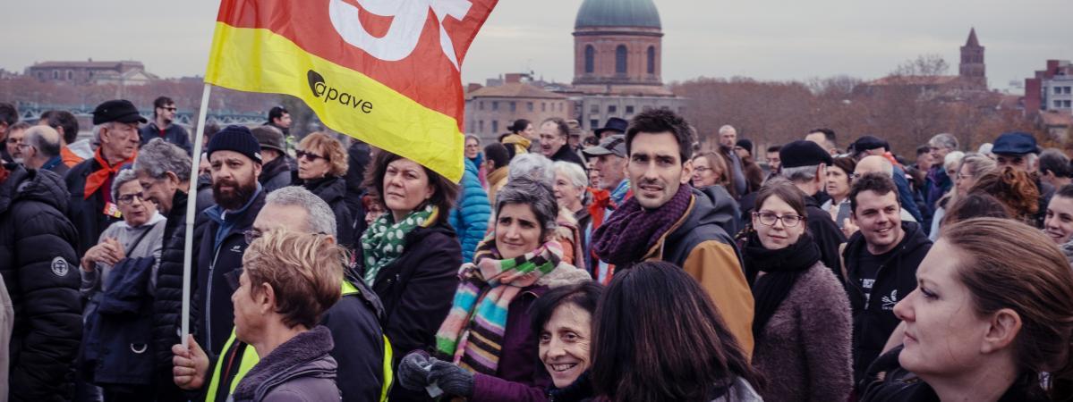 Grève contre la réforme des retraites : les syndicalistes continuent-ils à être payés pendant les mouvement...