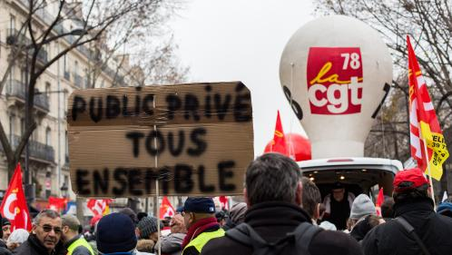 Grève contre la réforme des retraites : comment les grévistes s'organisent financièrement pour poursuivre le mouvement