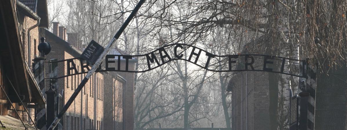 La chancelière allemande Angela Merkel se rend pour la première fois à Auschwitz