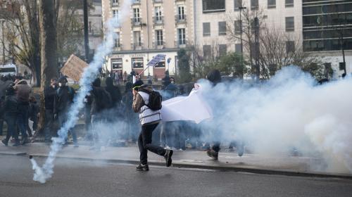 Nantes : trois policiers blessés lors de la manifestation contre la réforme des retraites, selon la préfecture
