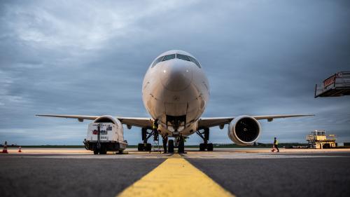 DIRECT. Réforme des retraites : Air France annule 25% de ses vols intérieurs mardi et 10% de ses moyen-courriers