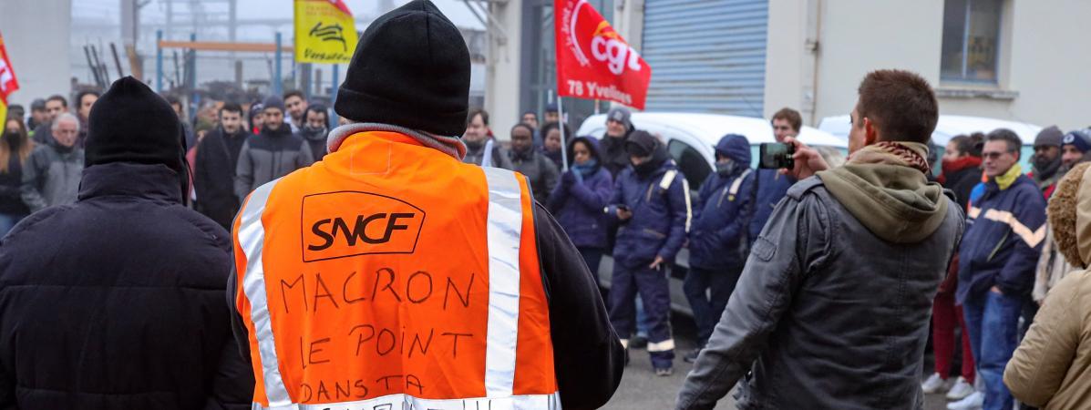 Grève contre la réforme des retraites : à la SNCF et à la RATP, des grévistes tentent de convaincre les non...