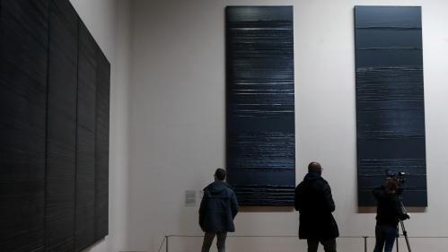 Pierre Soulages au Louvre : quand un artiste de génie crée trois nouvelles toiles à l'aube de ses cent ans