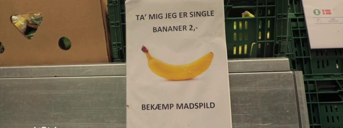 """VIDEO. Danemark. """"Bananes célibataires"""", produits périmés offerts... pour lutter contre le gaspillage alime..."""