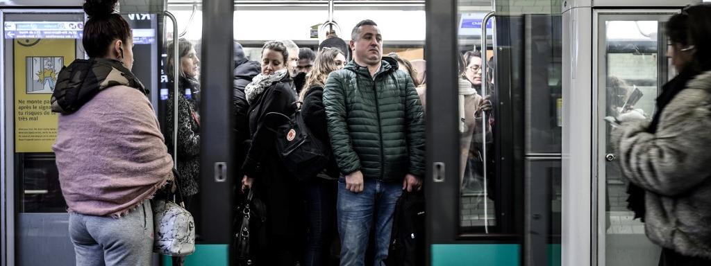 Grève du 13 décembre : 8 lignes de métros totalement fermées, environ 50% des bus et trams... La journée de...