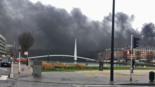 DIRECT. Grève du 12 décembre : la zone portuaire du Havre bloquée par des manifestants