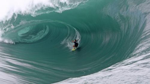 Jeux olympiques : Paris 2024 choisit Tahiti pour les épreuves de surf