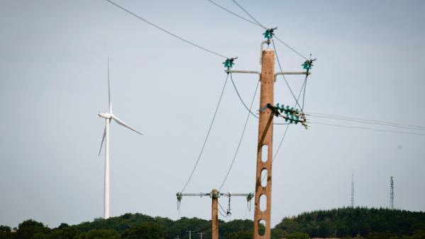 Vents violents : 40000foyers toujours privés d'électricité en France