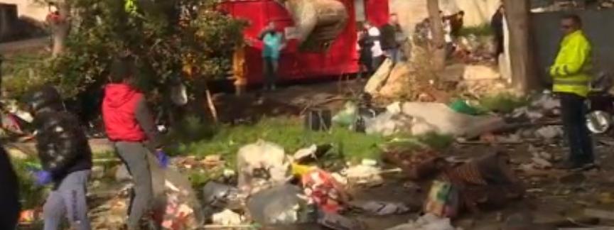Marseille : les habitants se mobilisent pour nettoyer la cité Corot