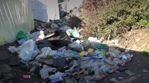 Migrants : les camps surpeuplés des îles grecques