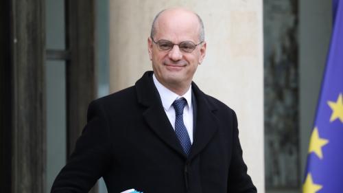Réforme des retraites : le ministère annonce 500 millions d'euros pour augmenter les salaires des professeurs en 2021