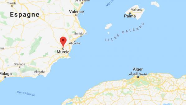 Espagne: les garde-côtes portent secours à 200migrants le jour de Noël
