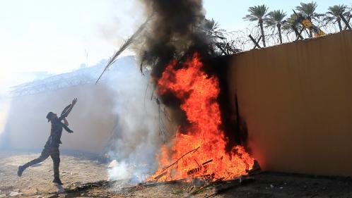 Irak : six questions sur l'attaque menée par des manifestants contre l'ambassade américaine à Bagdad