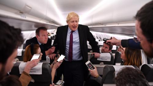 Royaume-Uni : après sa victoire électorale, Boris Johnson augmente fortement le salaire minimum