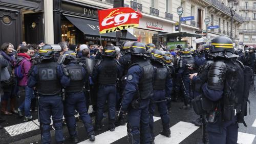 Réforme des retraites : vives tensions entre manifestants et forces de l'ordre à Paris