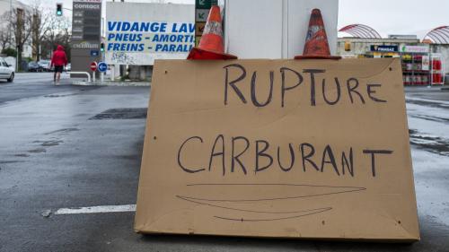 Grève contre la réforme des retraites : quatre questions sur l'appel au blocage de toutes les installations pétrolières du pays