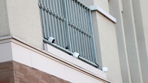 Carlos Ghosn a quitté seul sa résidence à Tokyo avant de fuir pour le Liban, montrent les images de vidéosurveillance
