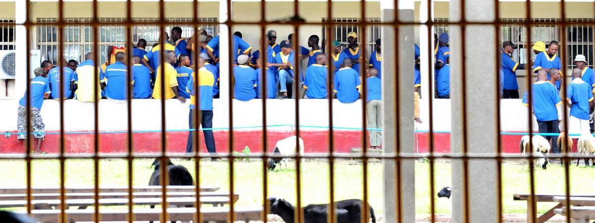 """Résultat de recherche d'images pour """"prisonnier détenus prison centrale de Makala"""""""