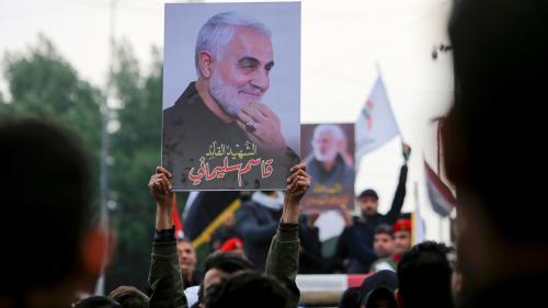 """""""Le peuple va chasser les Américains"""": des jeunes miliciens chiite irakiens se disent prêts à venger la mort de Qassem Soleimani"""