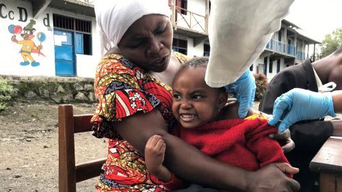 """La République démocratique du Congo connaît la """"pire épidémie de rougeole au monde"""", avec plus de 6 000 morts en un an"""