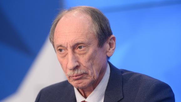 L\'ancien président de la Fédération russe d\'athlétisme, Valentin Balakhnichev, lors d\'une conférence de presse à Moscou le 22 novembre 2016.